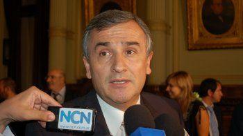 un gobernador macrista critico la suba del gas