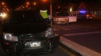 se quedo sin frenos y choco a una camioneta: hubo siete heridos