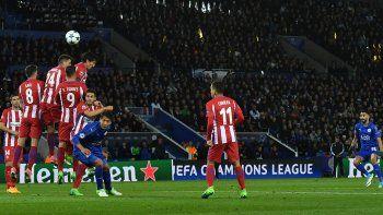 El Atlético empató con el Leicester 1 a 1 y accedió a las semifinales