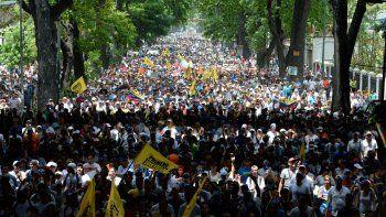 dos jovenes murieron durante una protesta opositora en venezuela