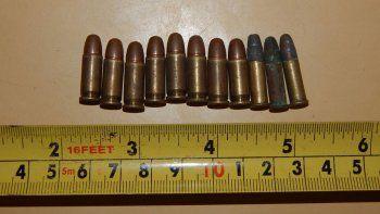 Las municiones fueron secuestradas por la Policía tras los allanamientos realizados en la zona oeste de la ciudad.