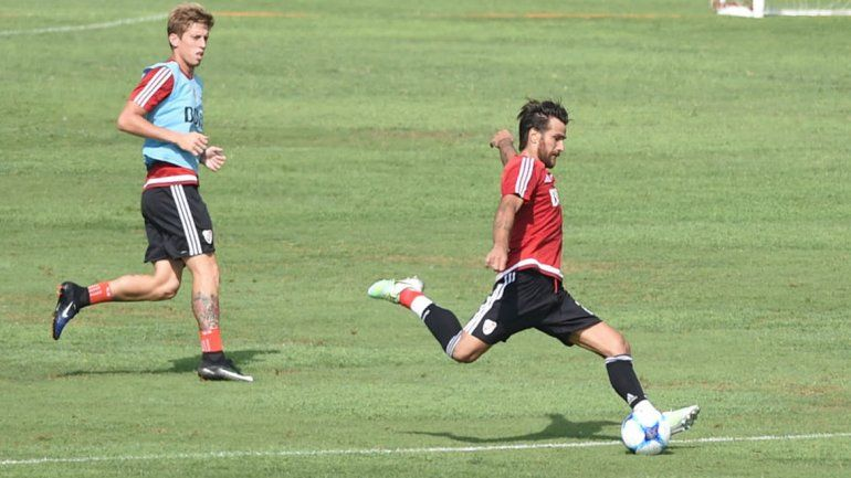 Rossi y Ponzio hablaron de la diferencia que los separa de Boca y ya anticipan el clásico.