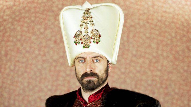 San Honorio sostiene que las producciones turcas no se respeta a la mujer.