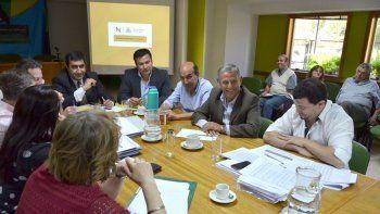 Quiroga y su equipo suelen visitar el Concejo Deliberante durante las reuniones por el tema del presupuesto municipal.