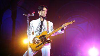 El álbum contaba con seis temas inéditos del cantante.