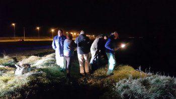 El vehículo cayó unos 15 metros desde un barranco en la Ruta 11.