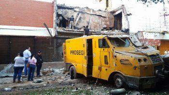 El golpe comando fue de película: además del robo, minaron la ciudad y provocaron incendios en distintos puntos para distraer a la policía paraguaya.