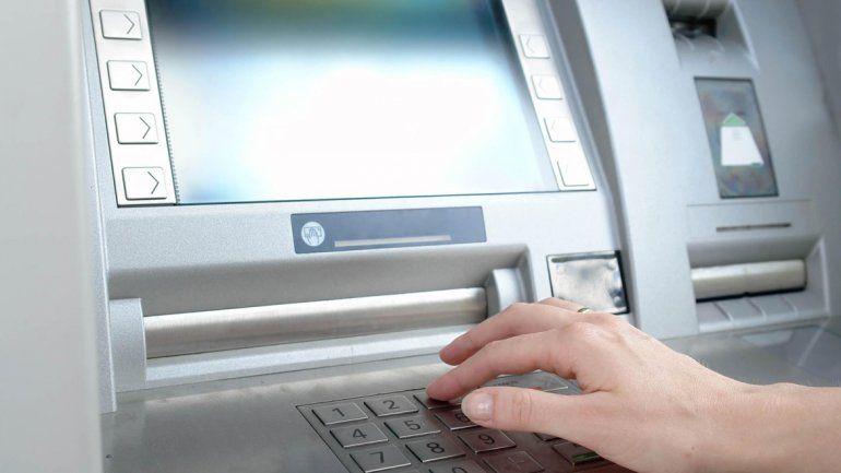 Bancario se compró un tele con la tarjeta de una clienta