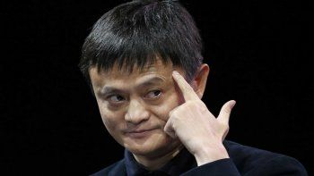 Ma sostiene que en 30 años el mejor CEO del año será un robot.