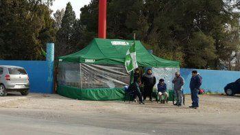 Uno de los bloqueos que se realizaron ayer en Plaza Huincul. (Foto: Cutral Co al Instante)