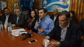 Martínez aspira a ser reelecto, pero tiene que juntar a todos los sectores.