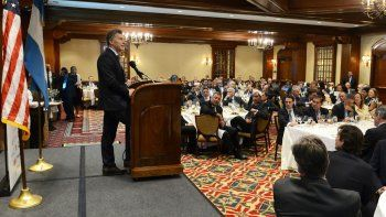 Macri dio un discurso en el hotel The Houstonian, con Pereyra presente.