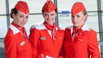 una aerolinea rusa le baja el sueldo a las azafatas con sobrepeso