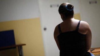 La Policía llegó a rescatar a la mujer cuando recibía una golpiza en su casa. Tras ser asistida en el hospital, denunció.