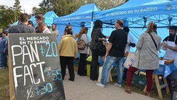 se inauguro la feria de productores locales en el barrio san lorenzo