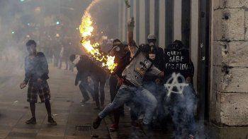 primer huelga general en 20 anos en brasil: protesta contra el gobierno de temer termino con incidentes