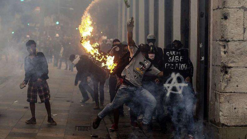 Primer huelga general en 20 años en Brasil: protesta contra el gobierno de Temer terminó con incidentes