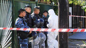 Al cuerpo de Araceli, de 22 años y desaparecida desde el 2 de abril, lo encontraron descuartizado y tapado con cemento en la casa del prófugo.