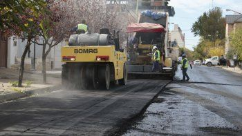 Ayer los trabajos se concentraron sobre la calle Belgrano.