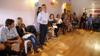 mujeres del pro respaldan la candidatura a diputado de schleret