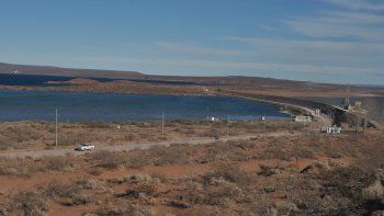 El lago Mari Menuco servirá para regar nuevas tierras productivas.