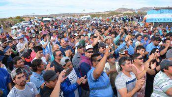 Los petroleros desocupados de OPS serán reubicados en otras empresas, según el acuerdo al que llegó el gremio liderado por Guillermo Pereyra.