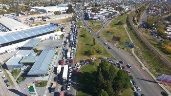 Así se ve el caos de tránsito desde el drone de LM Neuquén