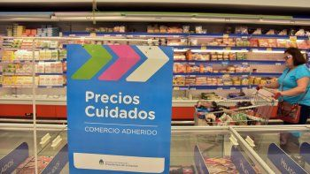 Los productos del programa nacional ya se exhiben en las góndolas neuquinas y esperan a los clientes.
