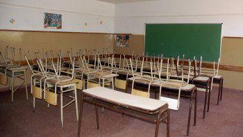 Gobierno y gremio coinciden en que los docentes hoy deben ocuparse de muchas cosas además de enseñar.
