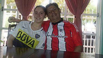 Oscar espera el partido con su hija Natalia. Sin rencores.