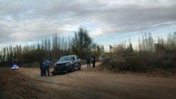 dos heridos en choque entre una moto y una camioneta en calle rural