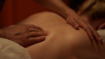 De acuerdo con la denuncia, el abuso de la joven, que salió a los gritos, se produjo durante la sesión de masajes.