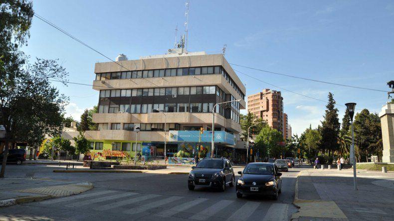 Por la inflación, el intendente Horacio Quiroga aumentará un 7% los sueldos municipales