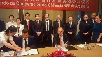 El acuerdo con China por Chihuido fue firmado por Juan Manuel Collazo, presidente de Helport, líder de la UTE a cargo de la obra, y Zhang Jiliang, presidente de Yellow River Engineering Consulting.