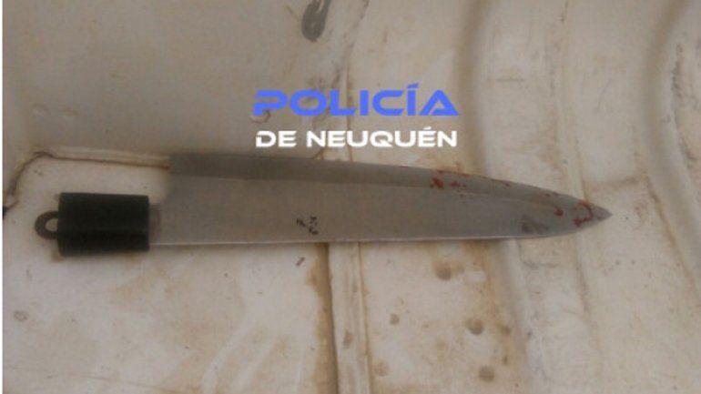 Le formularon cargos al joven que intentó apuñalar a un policía en el barrio Belén