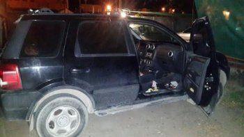 atraparon a un ladron cuando intentaba robar una camioneta en villa florencia