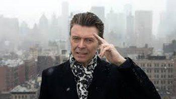 El público también compró otros CD del artista, como Best of Bowie.