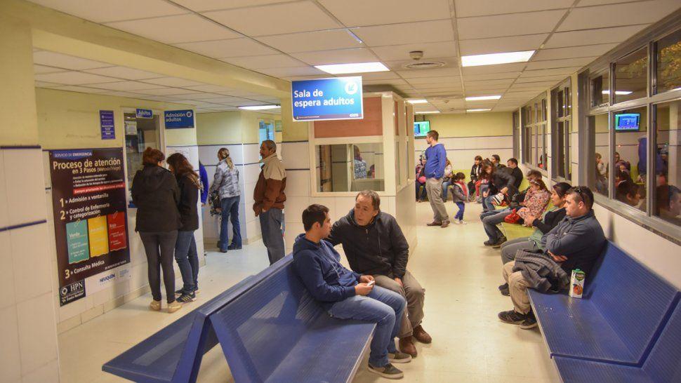 El Castro Rendón fue un infierno ayer en las primeras horas por la cantidad de pacientes que pidieron turnos.
