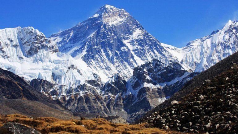 Encontraron a cuatro alpinistas muertos en el Everest