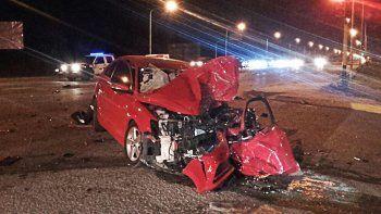 Ruta 22: un hombre chocó contra una camioneta y está grave
