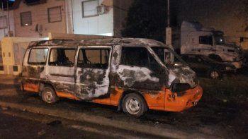 se incendio una camioneta en el oeste: no hubo heridos