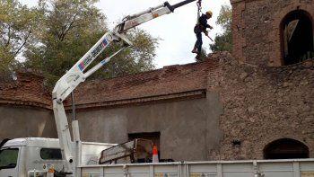 Maquinaria municipal trabajando en la Torre Talero,