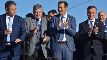 Alejandro Nicola estrenó su condición de precandidato a concejal en la celebración del 25 de Mayo.