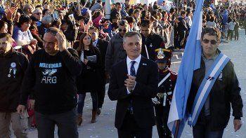 David Schlereth abrió el desfile cívico-militar del 25 de Mayo.