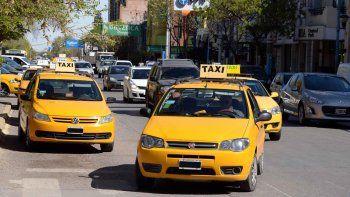Los choferes estamos cada vez más lejos de las góndolas, describió Eduardo Lira, secretario general del Sindicato de Peones de Taxis.