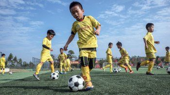 Los chinos sueñan en grande, aunque admiten sus limitaciones en el fútbol.