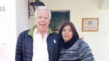 Yaquelín junto a su abogado Sánchez Galarce.