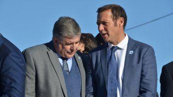 El ministro de Energía, Alejandro Nicola (al lado de Gutiérrez en la foto), fue el elegido para encabezar la lista Azul.