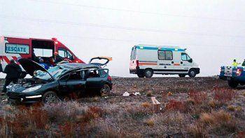 tres heridos tras un vuelco en la ruta 40 cerca de dina huapi