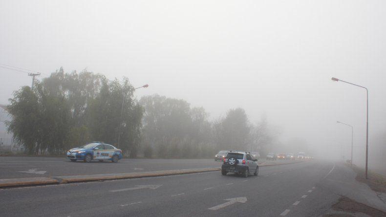 Piden precaución para circular por calles y rutas debido a la niebla